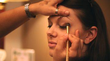 makeup-Rise of broken women