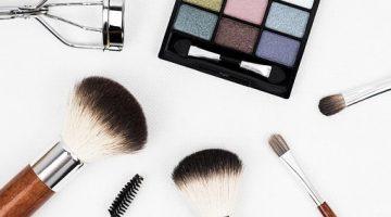makeup-brush-Rise of Broken Women
